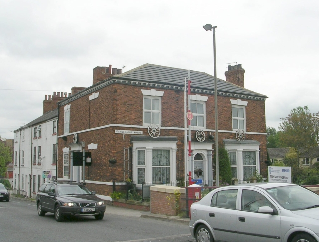 File:Temperance House - New Street-Barlby Road - geograph.org.uk