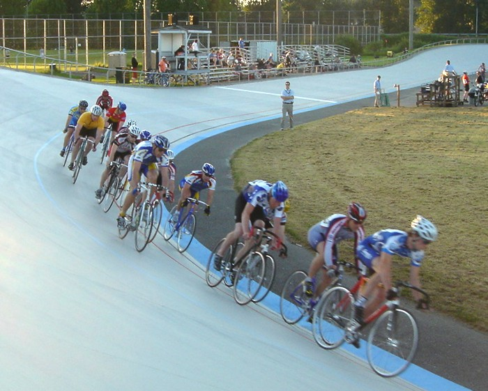 File:Velodrome racing.jpg