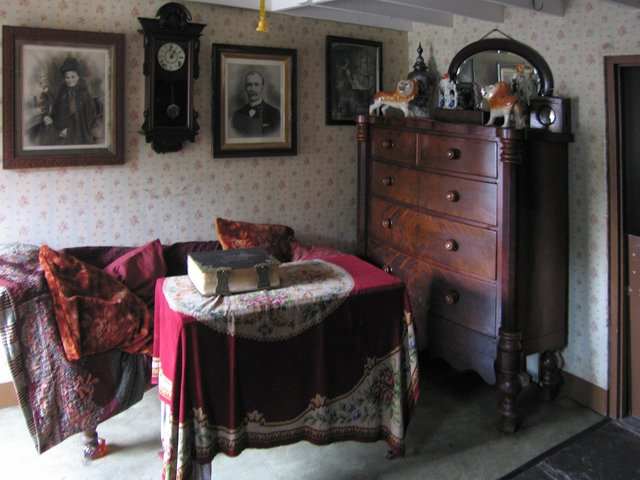FileInterior Of Late 19th Century Terraced House