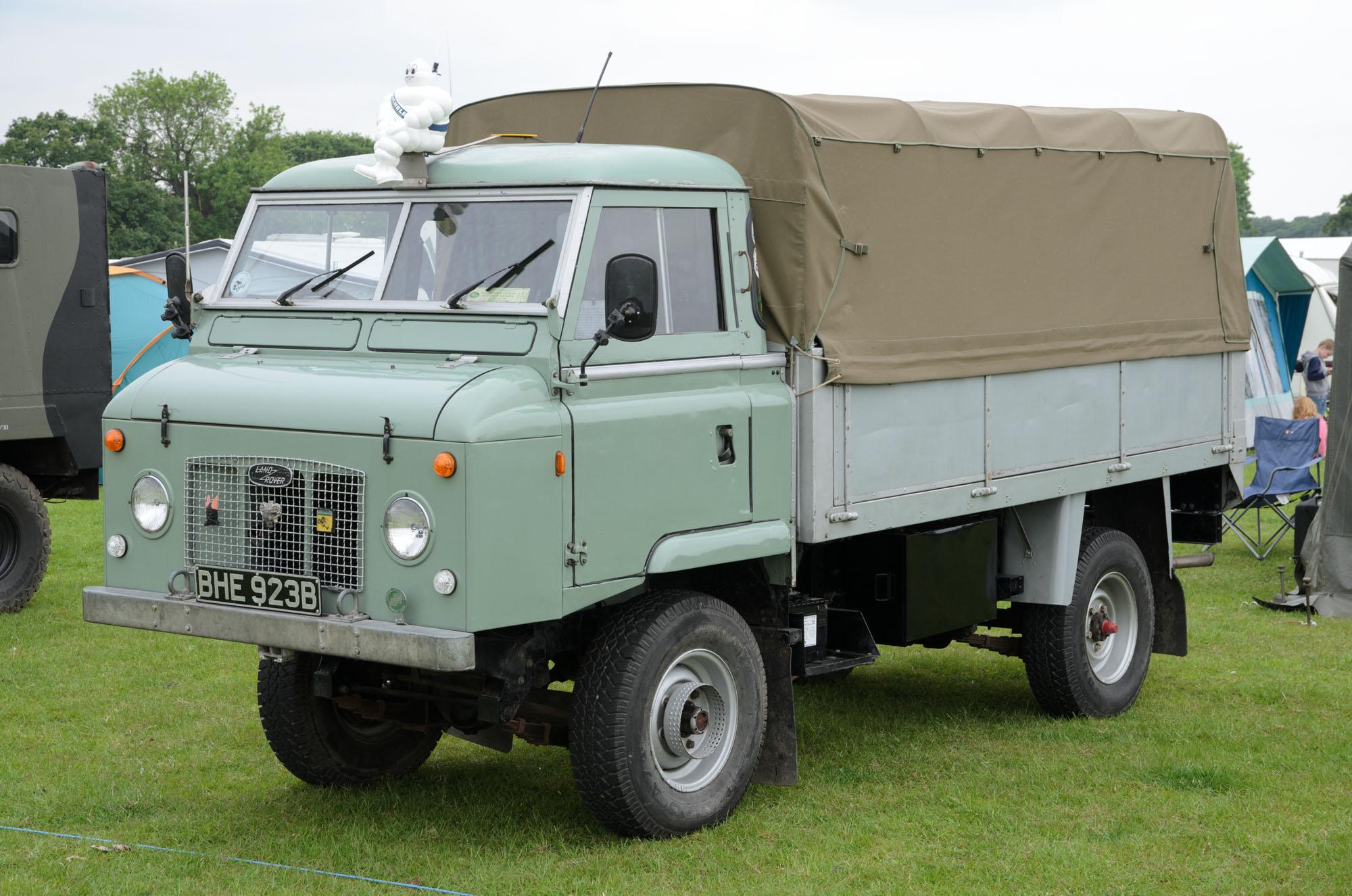 File Land Rover Series IIA Forward Control 1964