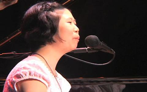 English: Concert pianist, Lee Hee-ah, was born...