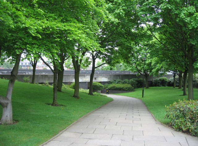 English: Urban Footpath Surrounded by the ring...