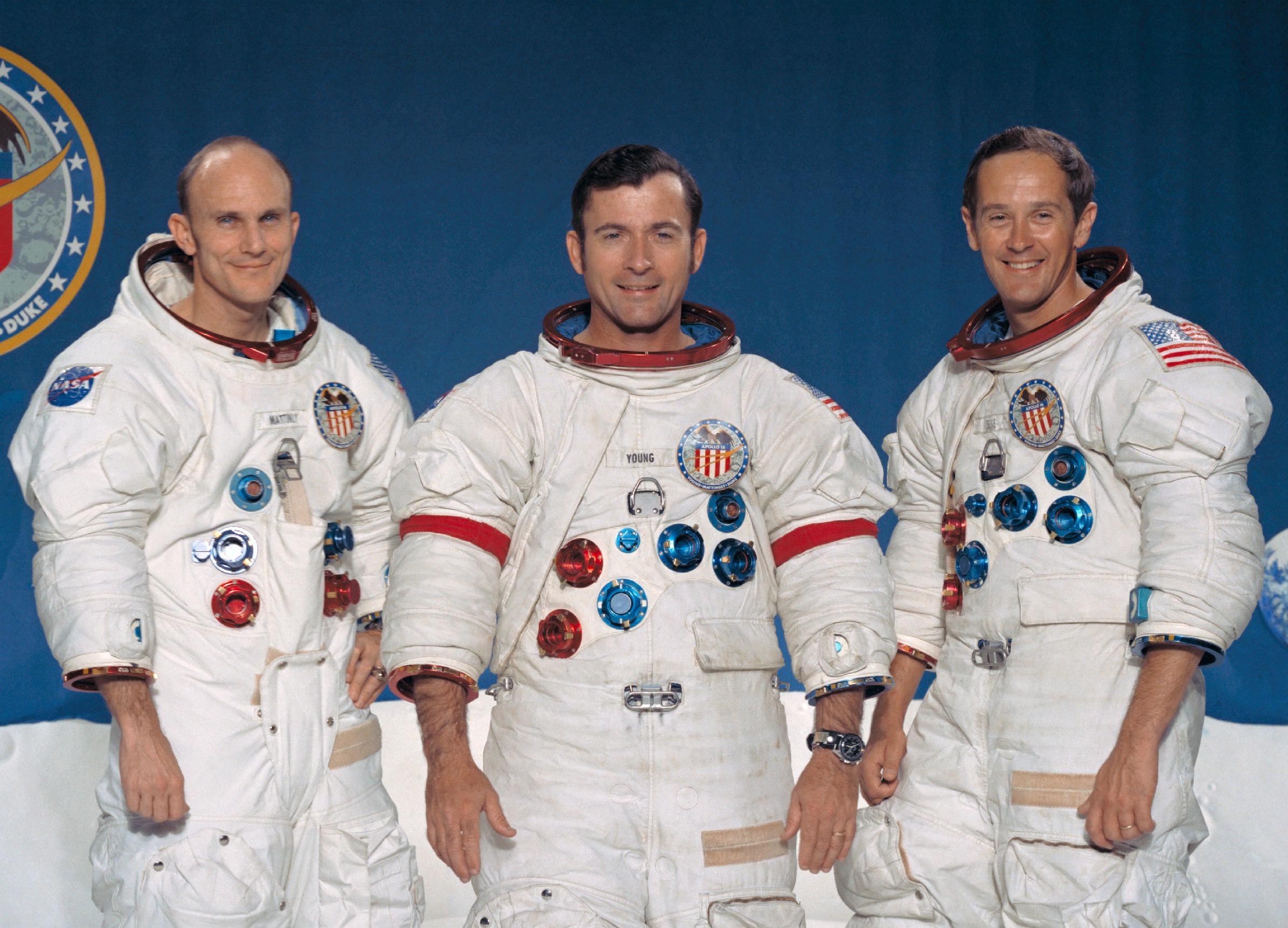 Tripulación de la Misión Apolo 16, de izq. a dcha: Mattingly, Young y Duke