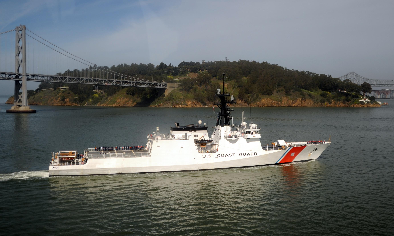 https://i2.wp.com/upload.wikimedia.org/wikipedia/commons/7/7c/USCGC_Waesche_by_Yerba_Buena_Island.jpg