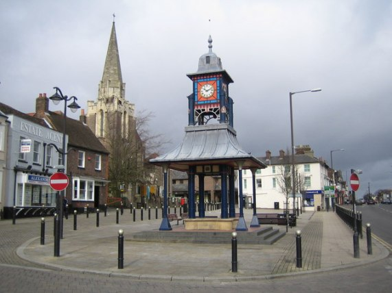 File:Dunstable, The Clock Tower and Market Cross - geograph.org.uk