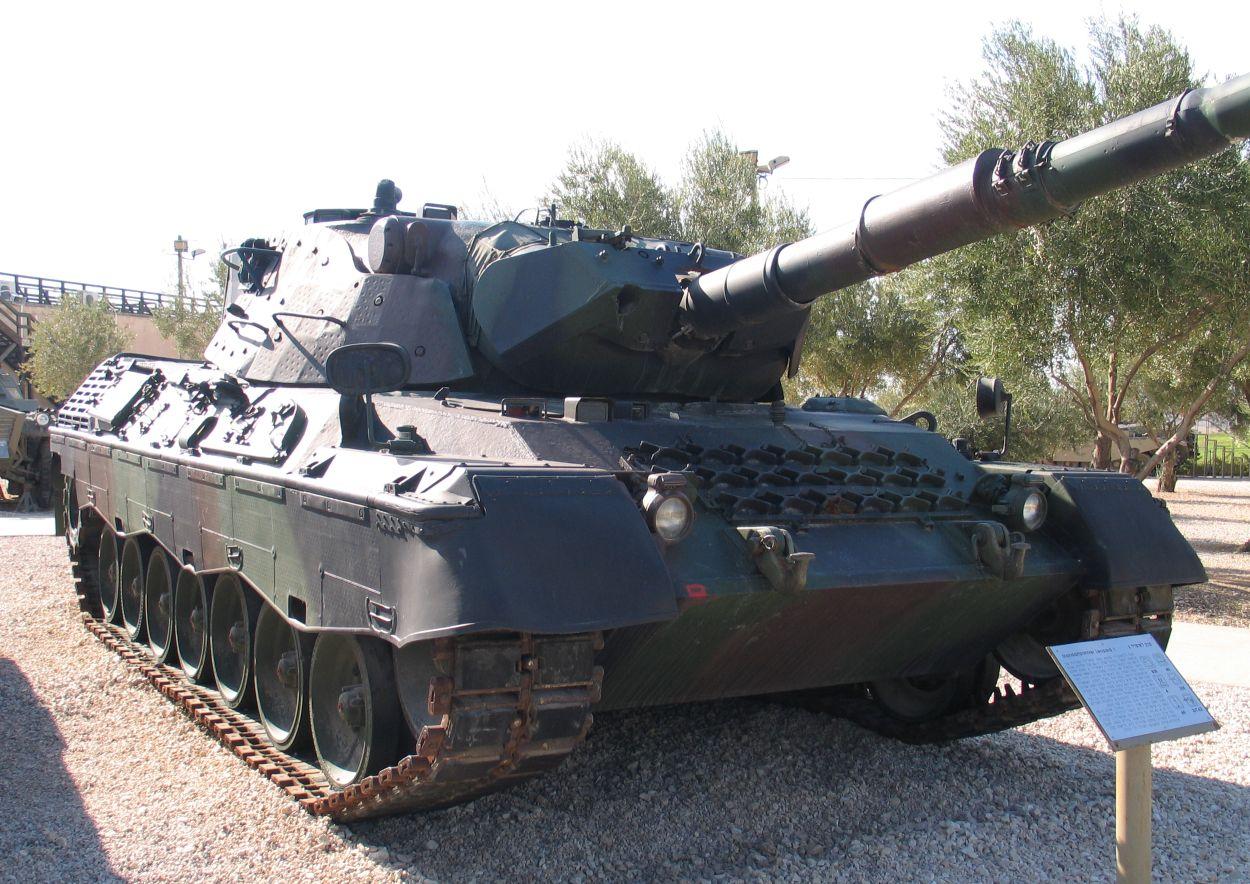 https://i2.wp.com/upload.wikimedia.org/wikipedia/commons/7/7f/Leopard-1-latrun-1.jpg