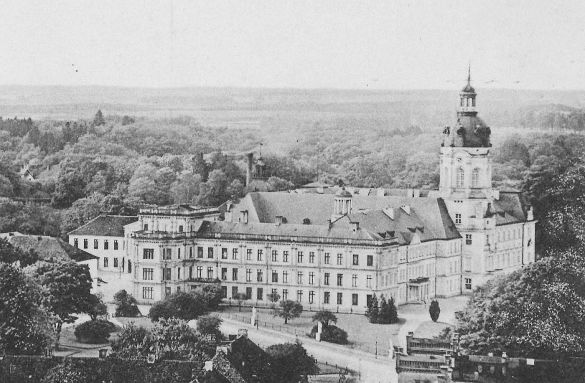 Schloss Neustrelitz, c1910. source: Wikipedia