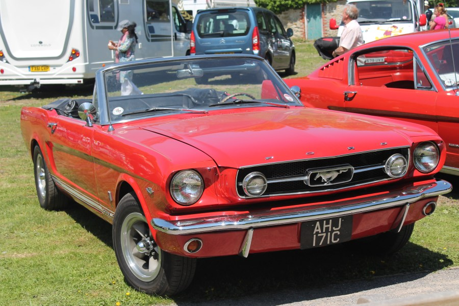 1965 ford cars » File 1965 Ford Mustang convertible  AHJ 171C  UK  8988815653  jpg     File 1965 Ford Mustang convertible  AHJ 171C  UK  8988815653  jpg