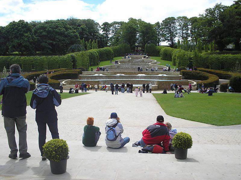 Ficheiro:Alnwick.garden.JPG