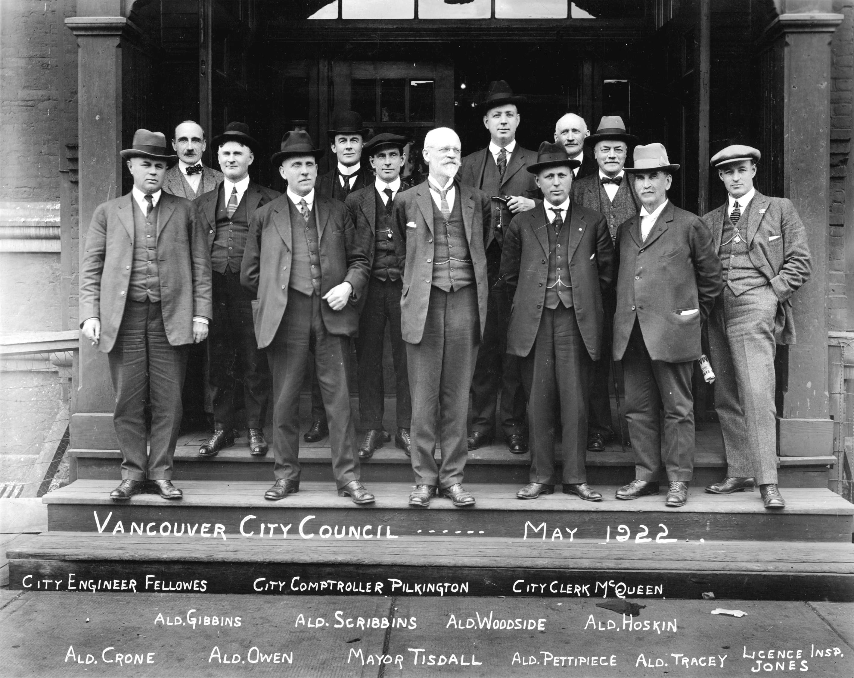 https://i2.wp.com/upload.wikimedia.org/wikipedia/commons/8/80/Vancouver_City_Council_1922.jpg