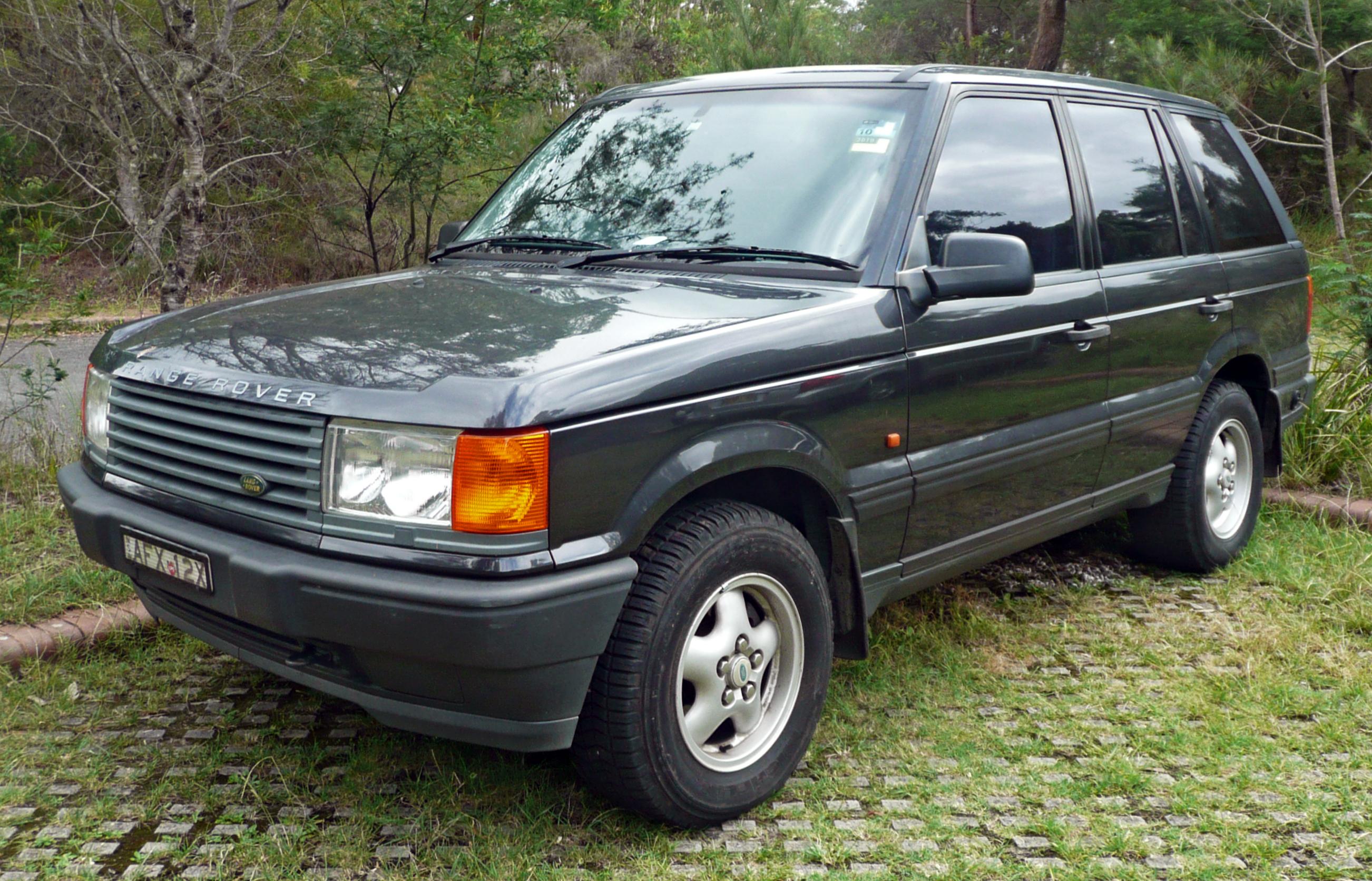 File 1995 1998 Land Rover Range Rover P38A 4 0 SE wagon 04