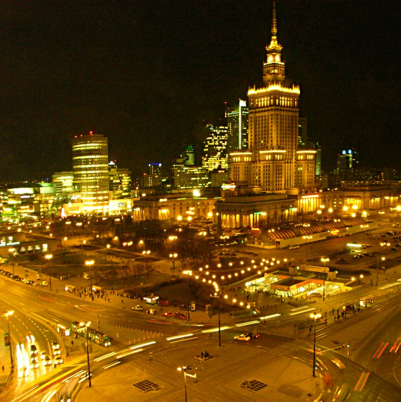 https://i2.wp.com/upload.wikimedia.org/wikipedia/commons/8/85/Warsaw-centrum.jpg