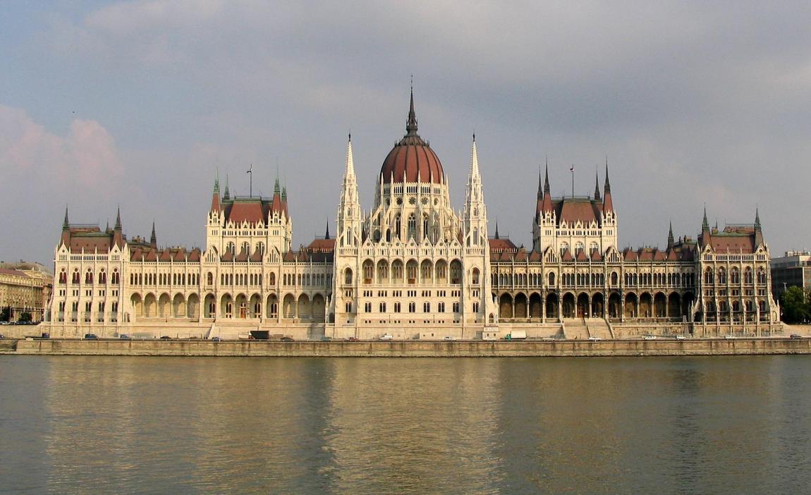 El parlamento de Budapest, la capital de Hungría, el país que inspiró a Brahms para componer sus celebérrimas Danzas Húngaras.