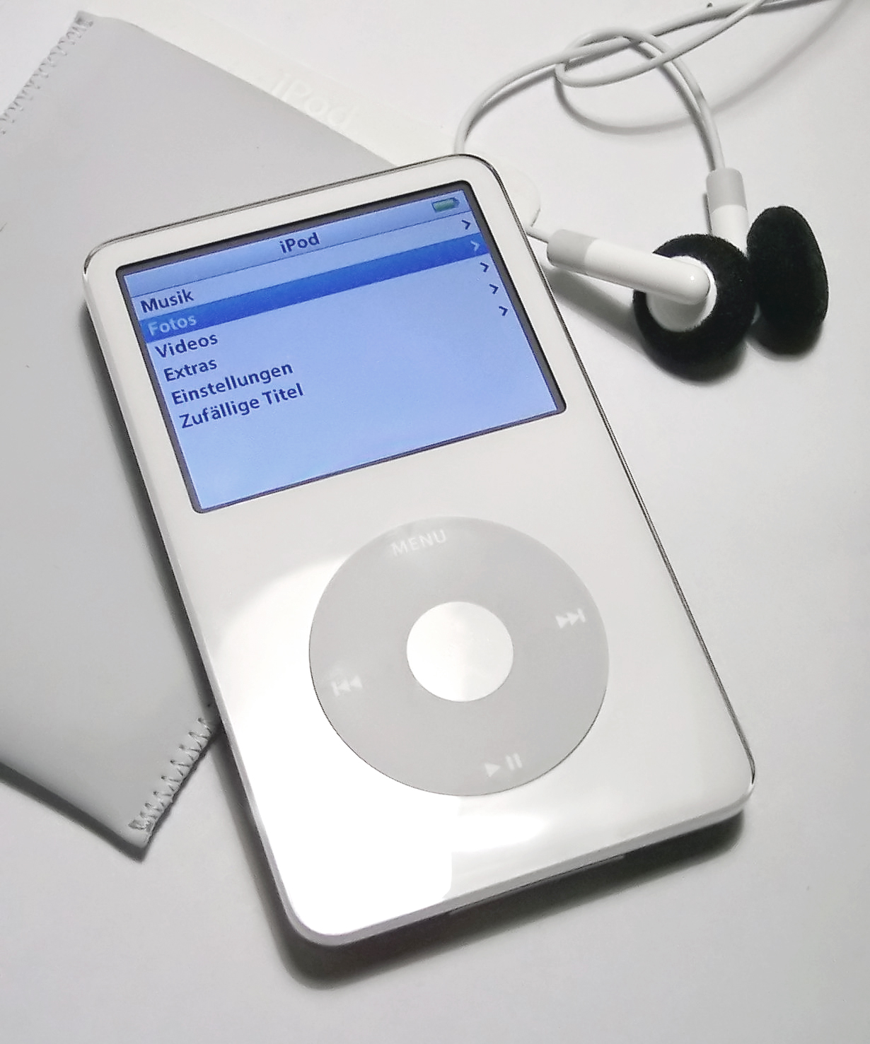 5th Gen iPod by Stahlkocher
