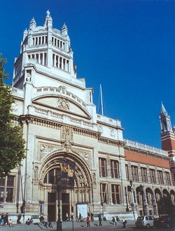 The main entrance of the Victoria and Albert M...