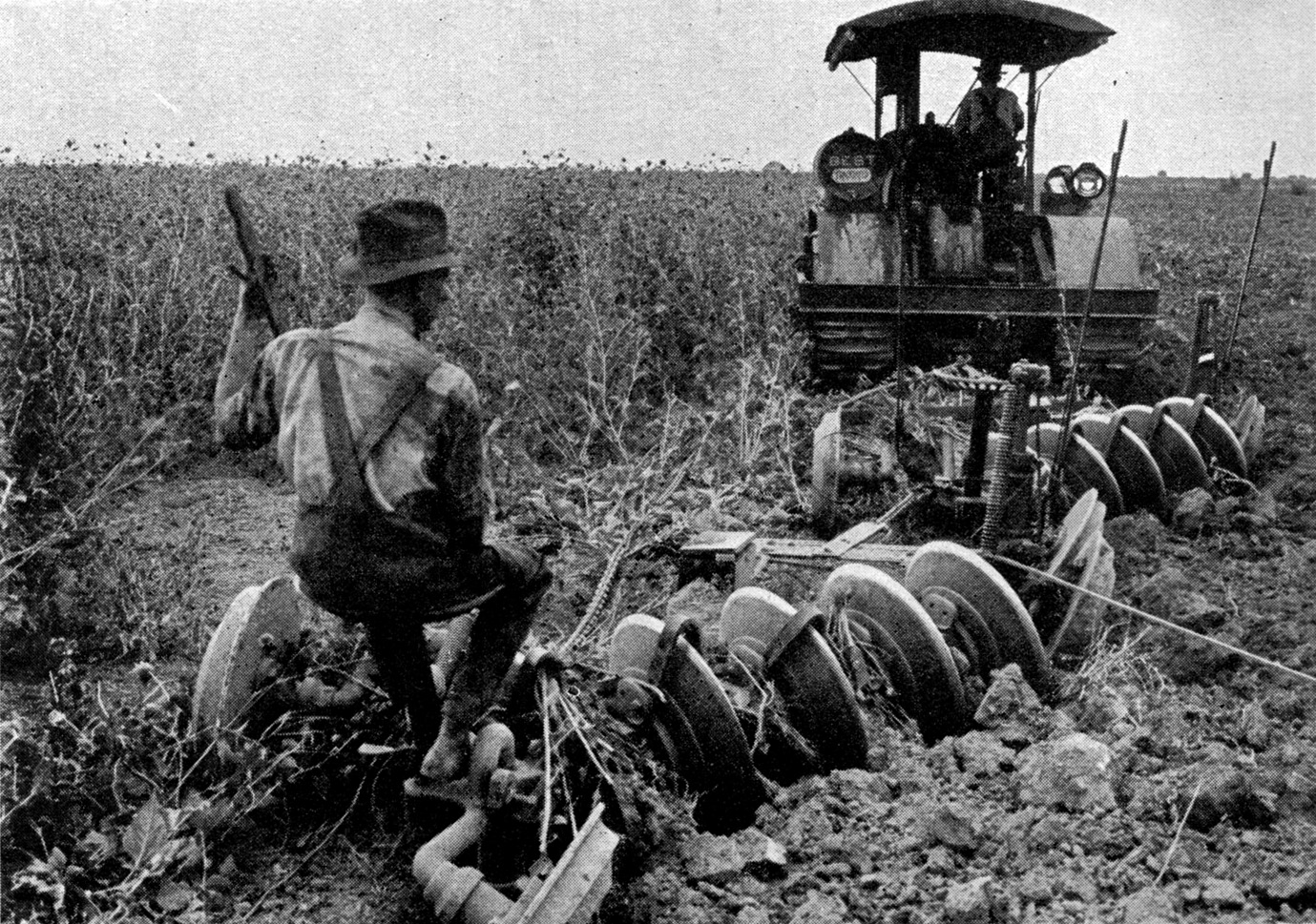 http://upload.wikimedia.org/wikipedia/commons/8/8a/Agriculture_(Plowing)_CNE-v1-p58-H.jpg