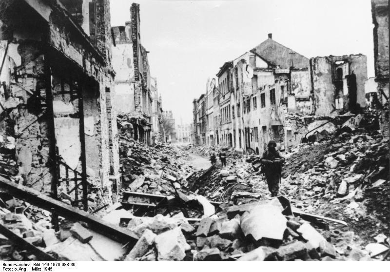 File:Bundesarchiv Bild 146-1970-088-30, Koblenz, Zerstörungen.jpg
