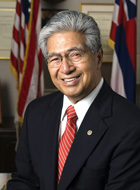 Daniel Akaka official Senate photo.