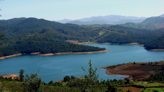 Lake Nilgiris hill station India Ooty