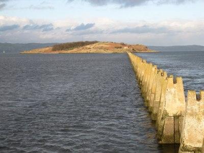 File:Causeway to Cramond Island - geograph.org.uk ...