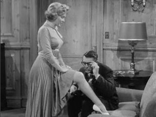 Cropped screenshot of Marilyn Monroe and Cary ...
