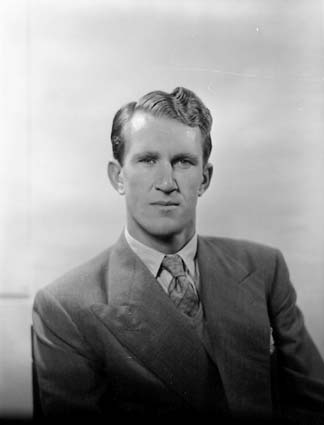 English: Malcolm Fraser in 1956. Image no. : A...