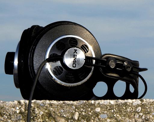 AKG K240 (clipped)