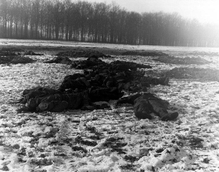 File:German soldiers lie dead on the ground.jpg