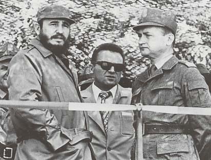 https://i2.wp.com/upload.wikimedia.org/wikipedia/commons/9/96/Jaruzelski_Castro_1972.jpg