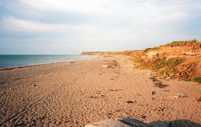 https://i2.wp.com/upload.wikimedia.org/wikipedia/commons/9/98/Beach_at_Kirk_Michael_-_geograph.org.uk_-_1122413.jpg