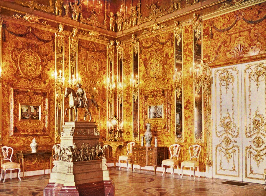 Andrey Zeest's 1917 autochrome photograph of the Amber Room in the Catherine Palace, St Petersburg, Russia