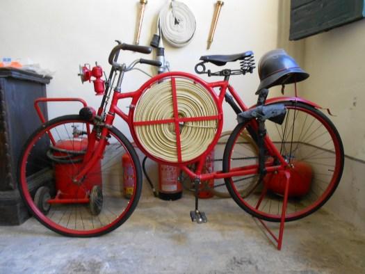 Bicicletta da pompiere di Fabrizio Pivari