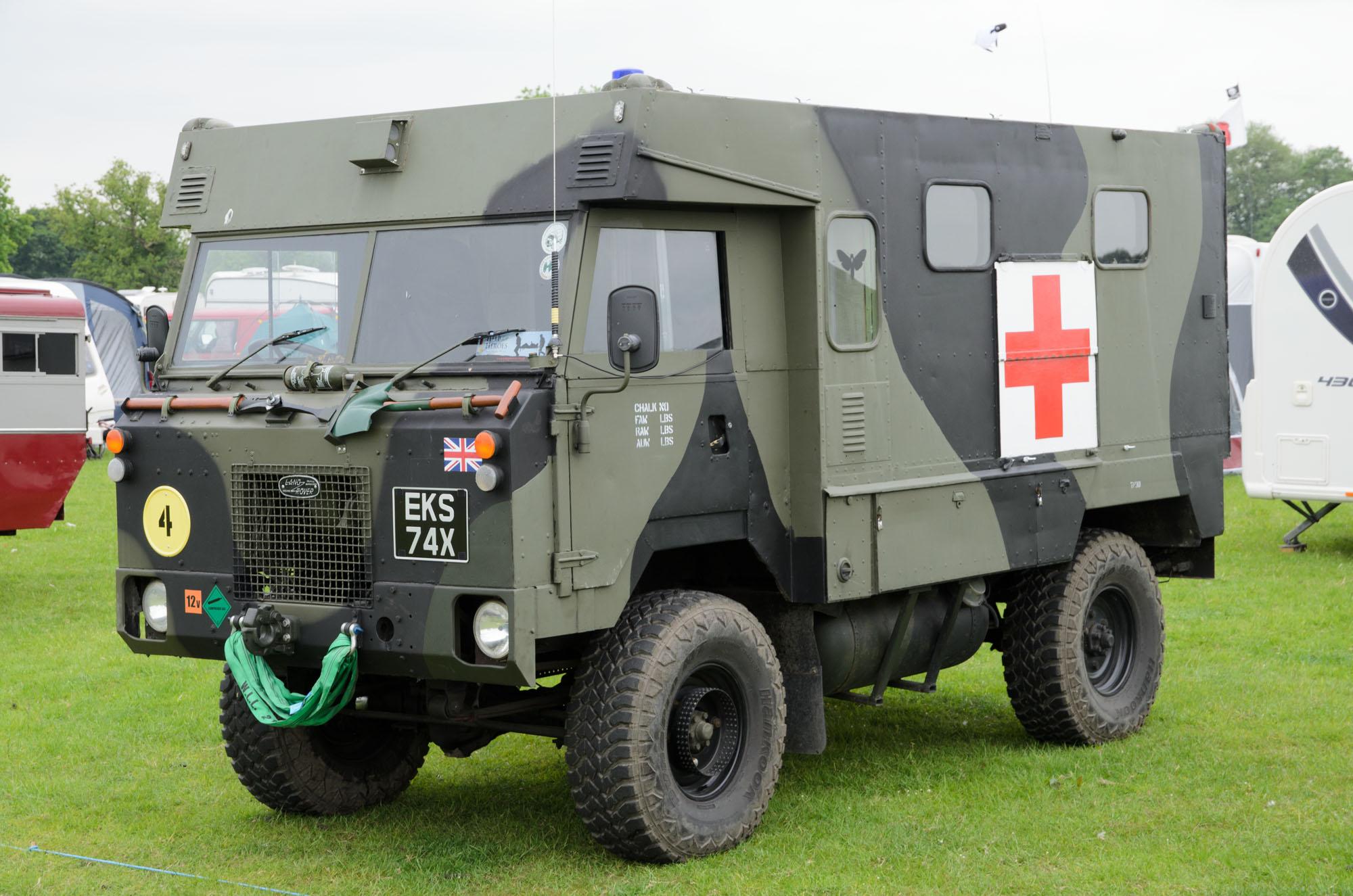 File Land Rover 101 Forward Control Ambulance 1981
