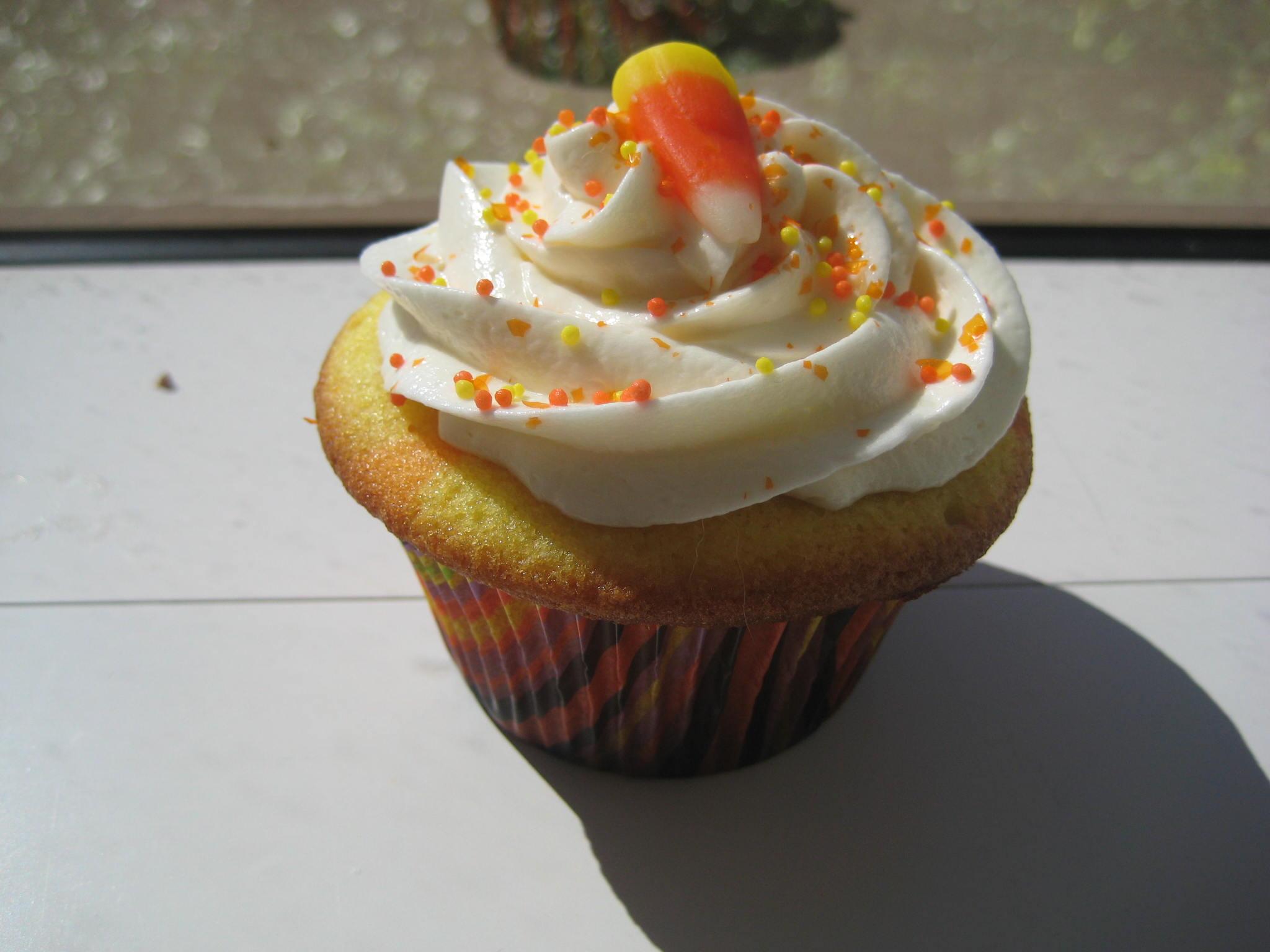 File:Candy Corn Cupcake.jpg