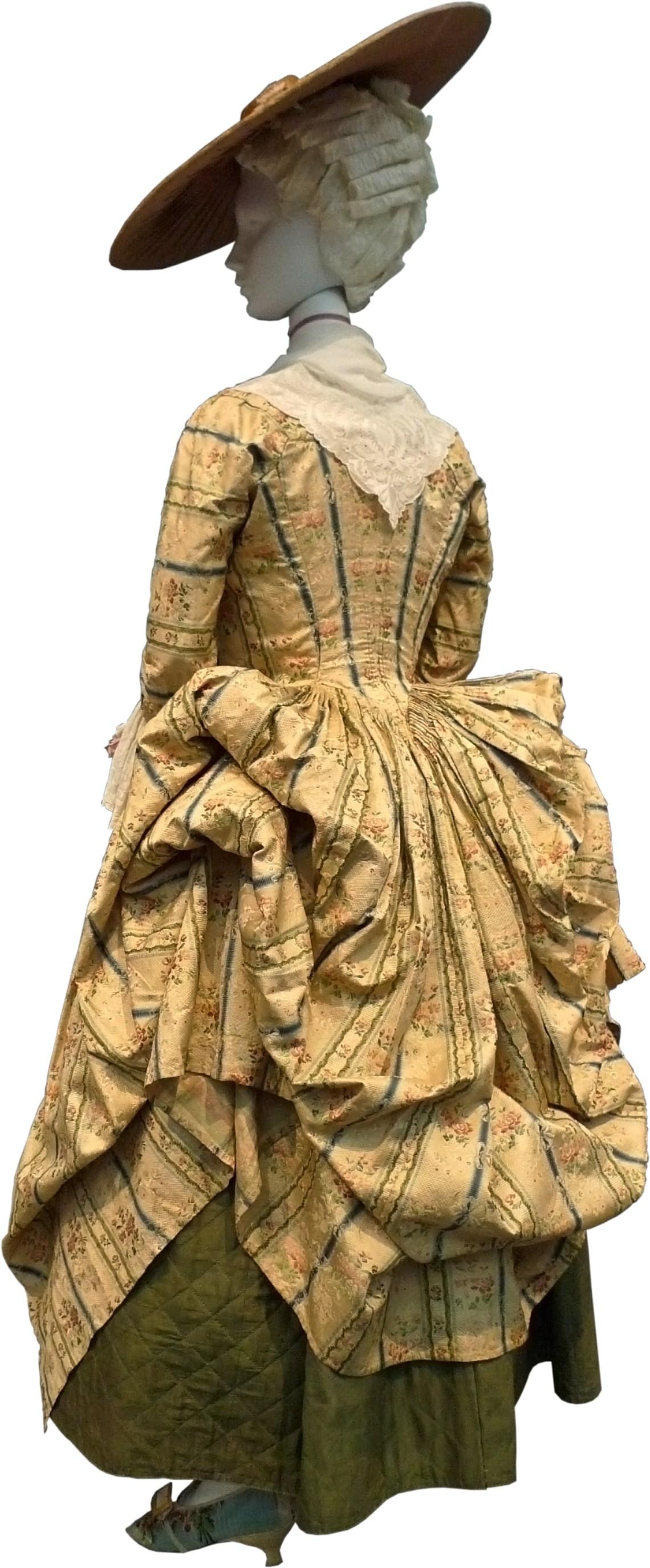 Robe a la Polonaise France 1775 599 Fashion