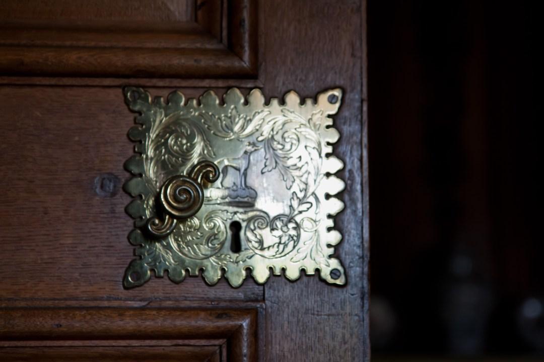 emergency locksmith service at locksmithspros.com