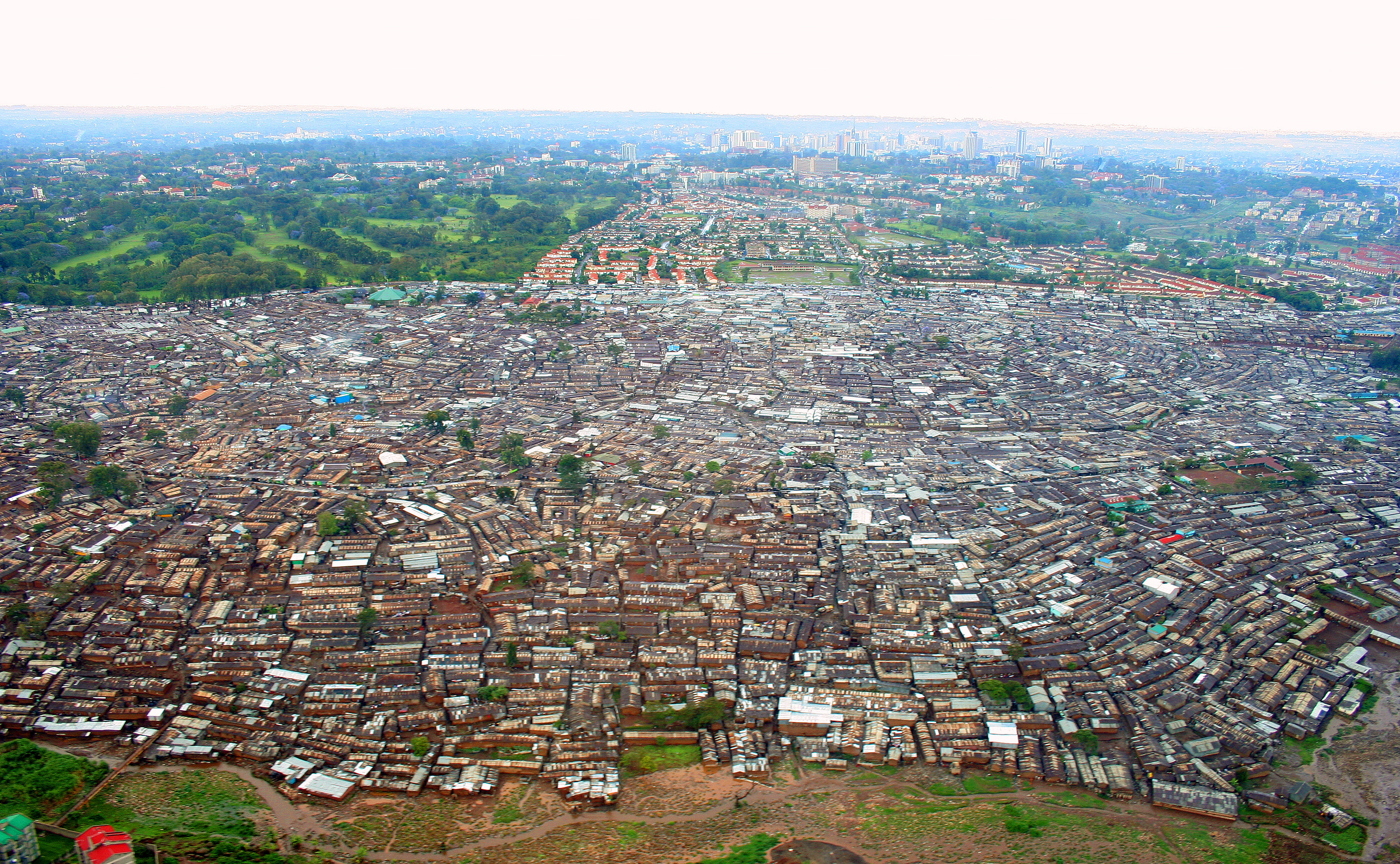 https://i2.wp.com/upload.wikimedia.org/wikipedia/commons/a/a2/Nairobi_Kibera_04.JPG