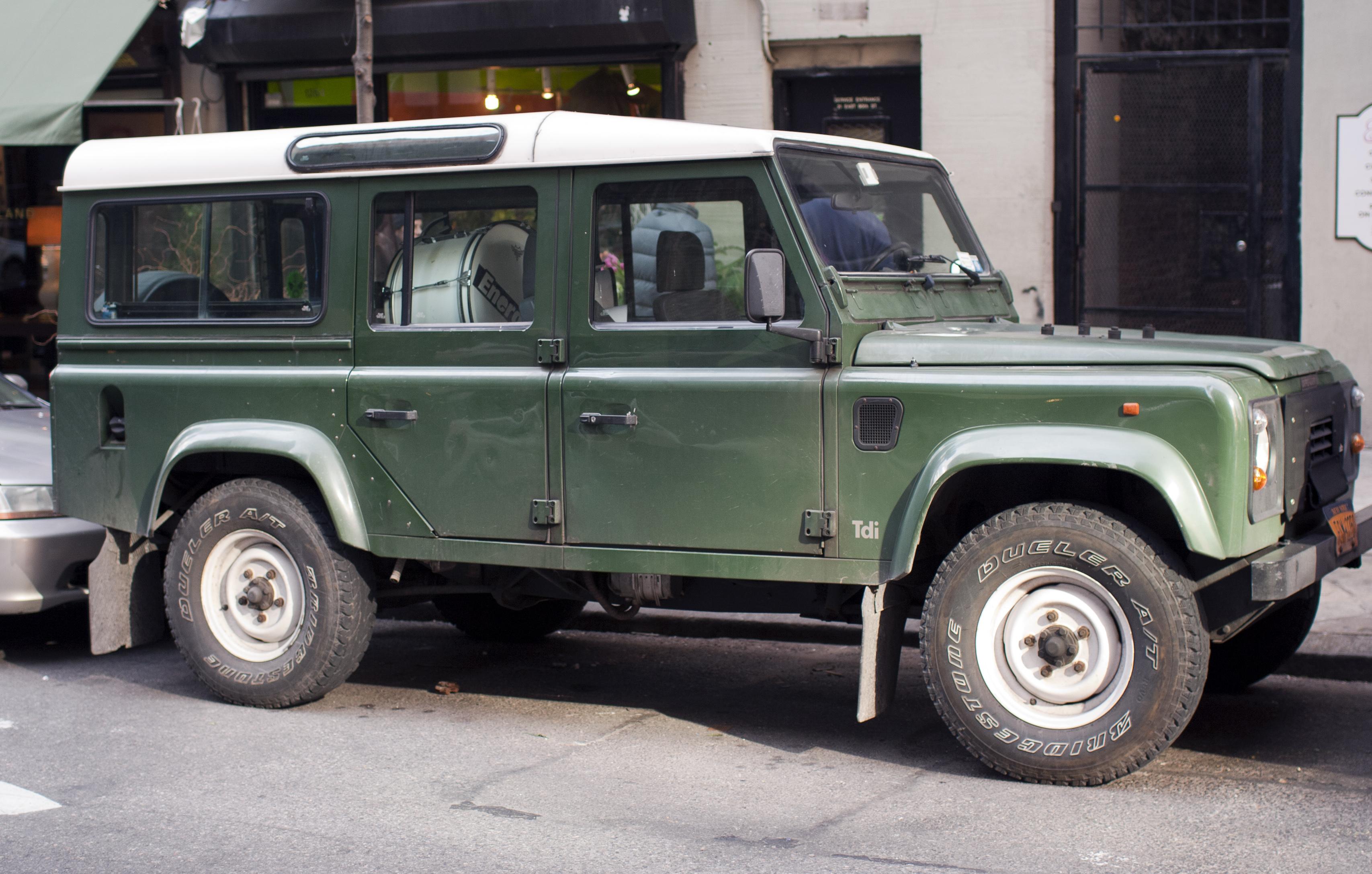 File 1997 Land Rover Defender bio sel right side