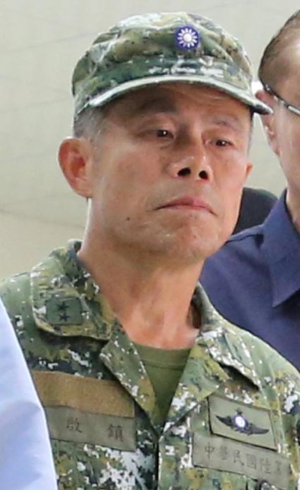 File:Army (ROCA) Lieutenant General Ho Chi-chen 陸軍中將何啟鎮 (07.20 總統視導陸軍航特部高空特種勤務中隊 35870829512 ...