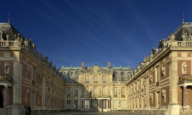 フランスの文化遺産の一つ ヴェルサイユ宮殿の参考画像