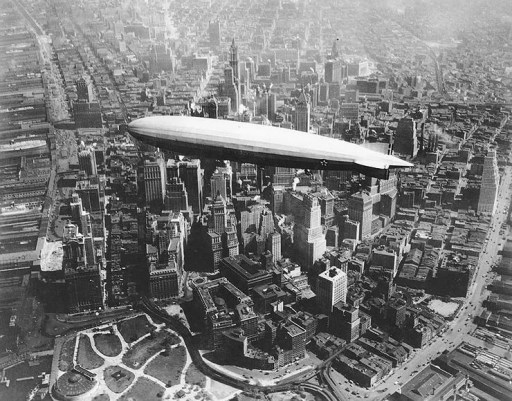 Uss los angeles airship over Manhattan