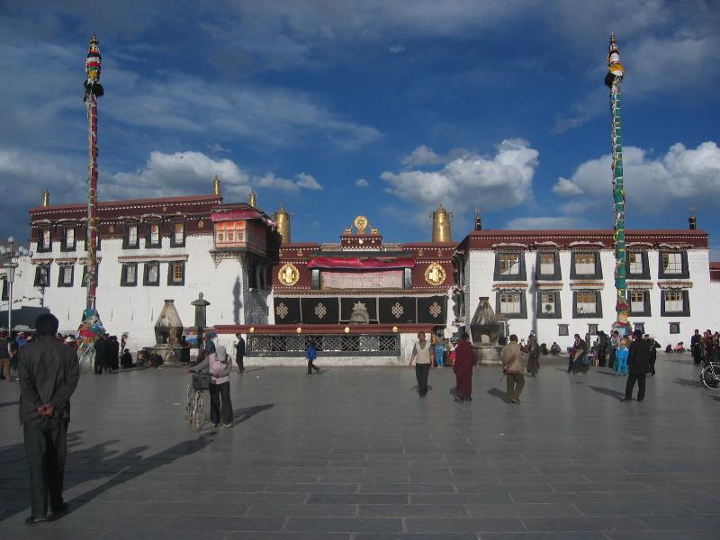 Tập tin:Jokhang Temple in Tibet.jpg