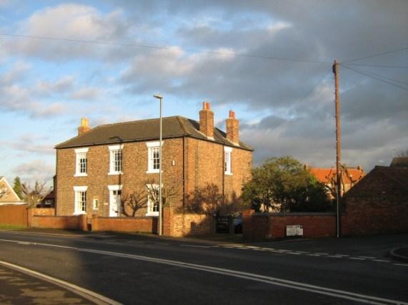 File:Barlby House - geograph.org.uk - 659354.jpg - Wikimedia Commons
