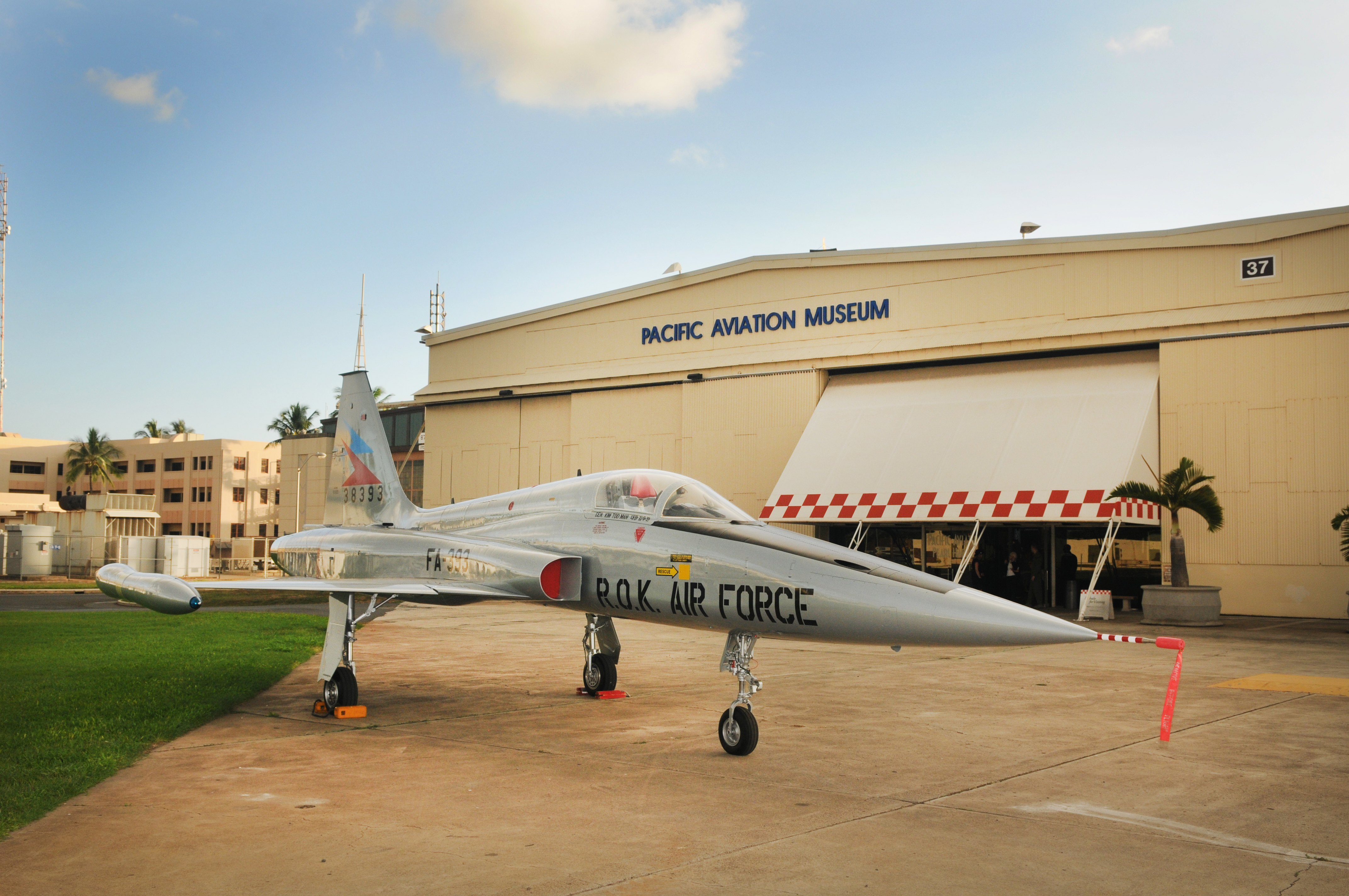 File Ex Rokaf F 5 At The Pacific Aviation Museum 2