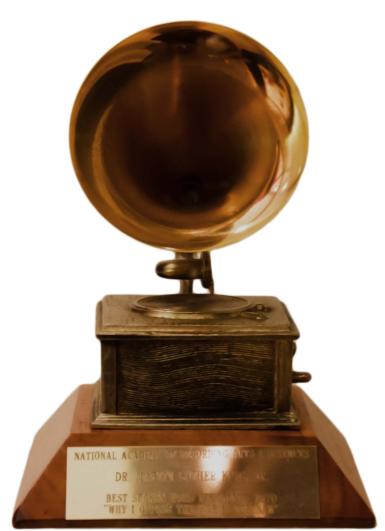 https://i2.wp.com/upload.wikimedia.org/wikipedia/commons/a/af/Grammy_Award_of_Dr._Martin_Luther_King,_Jr..jpg