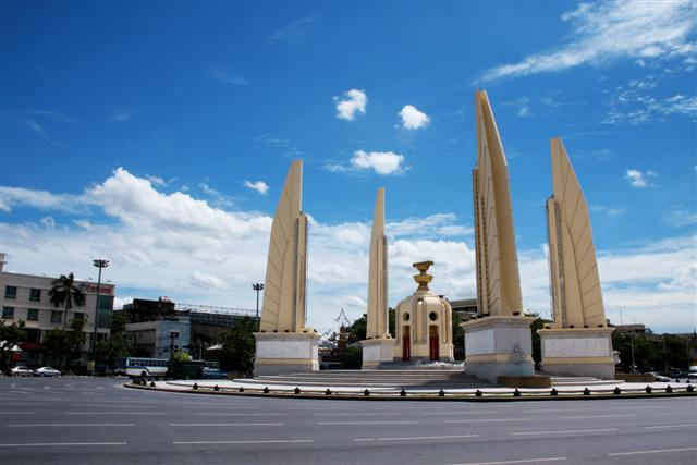 File:Democracy monument.jpg