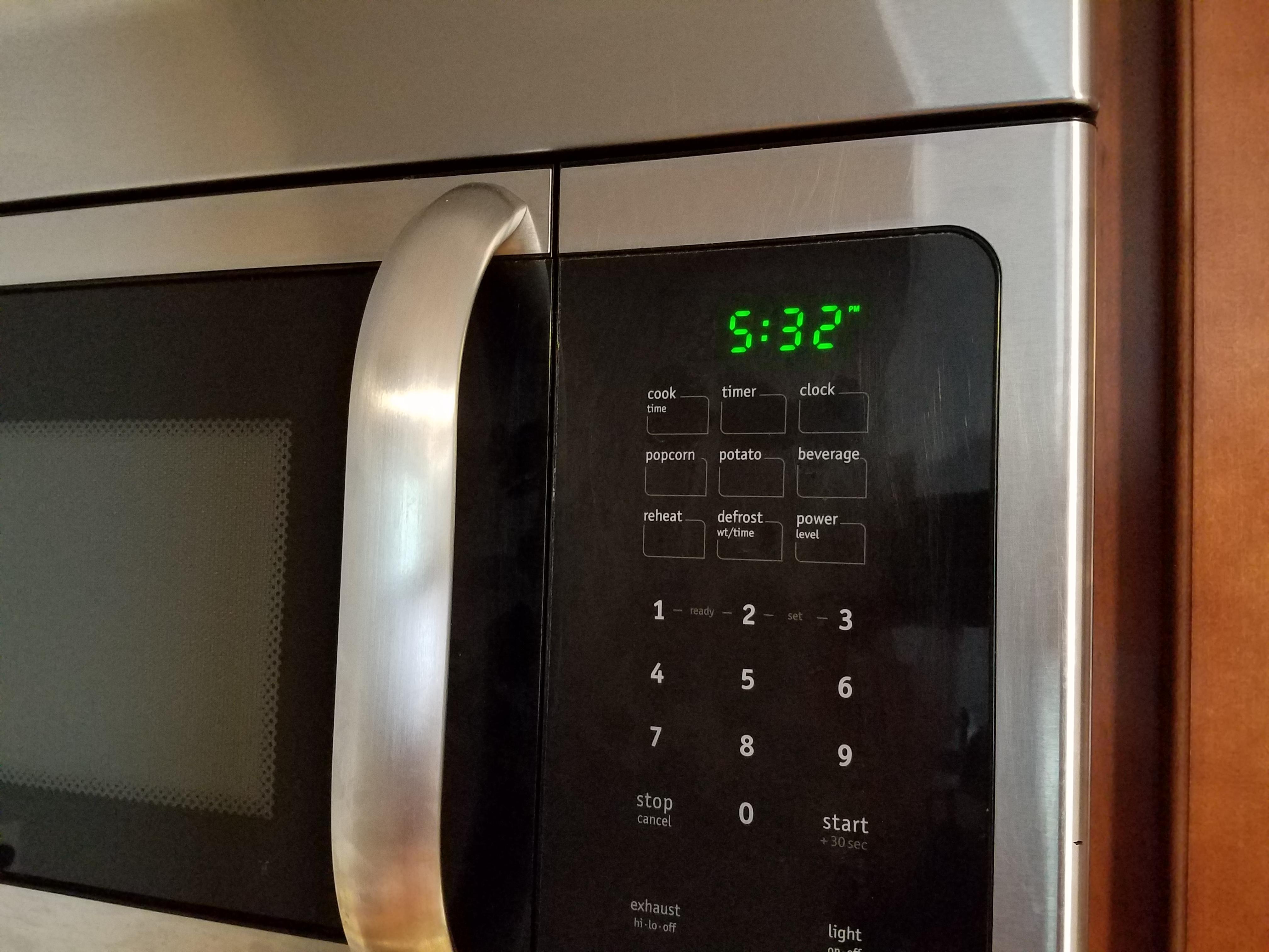 https commons wikimedia org wiki file frigidaire microwave clock 20200418 jpg