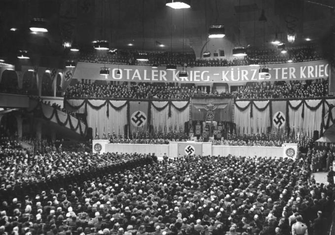Bundesarchiv Bild 183-J05235, Berlin, Großkundgebung im Sportpalast