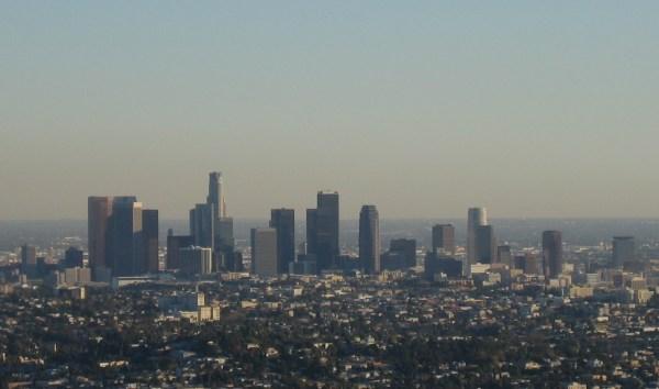 https://i2.wp.com/upload.wikimedia.org/wikipedia/commons/b/ba/Downtown_Los_Angeles_skyline.jpg?resize=600%2C354&ssl=1