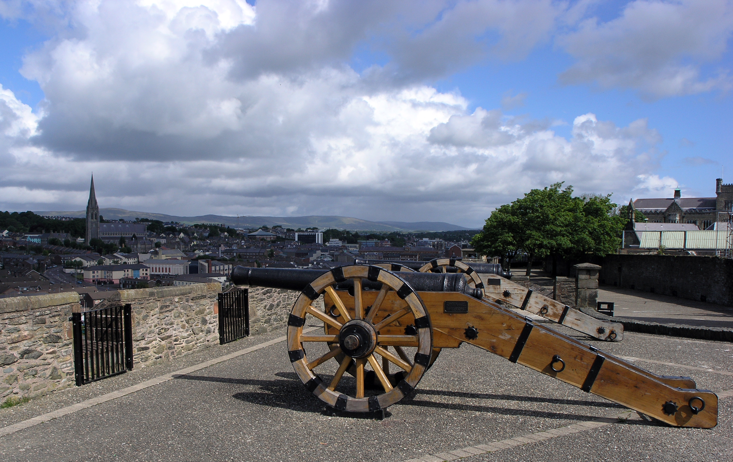 A portion of the city walls of Derry, originally built in 1613-1619 to defend the plantation settlement there.